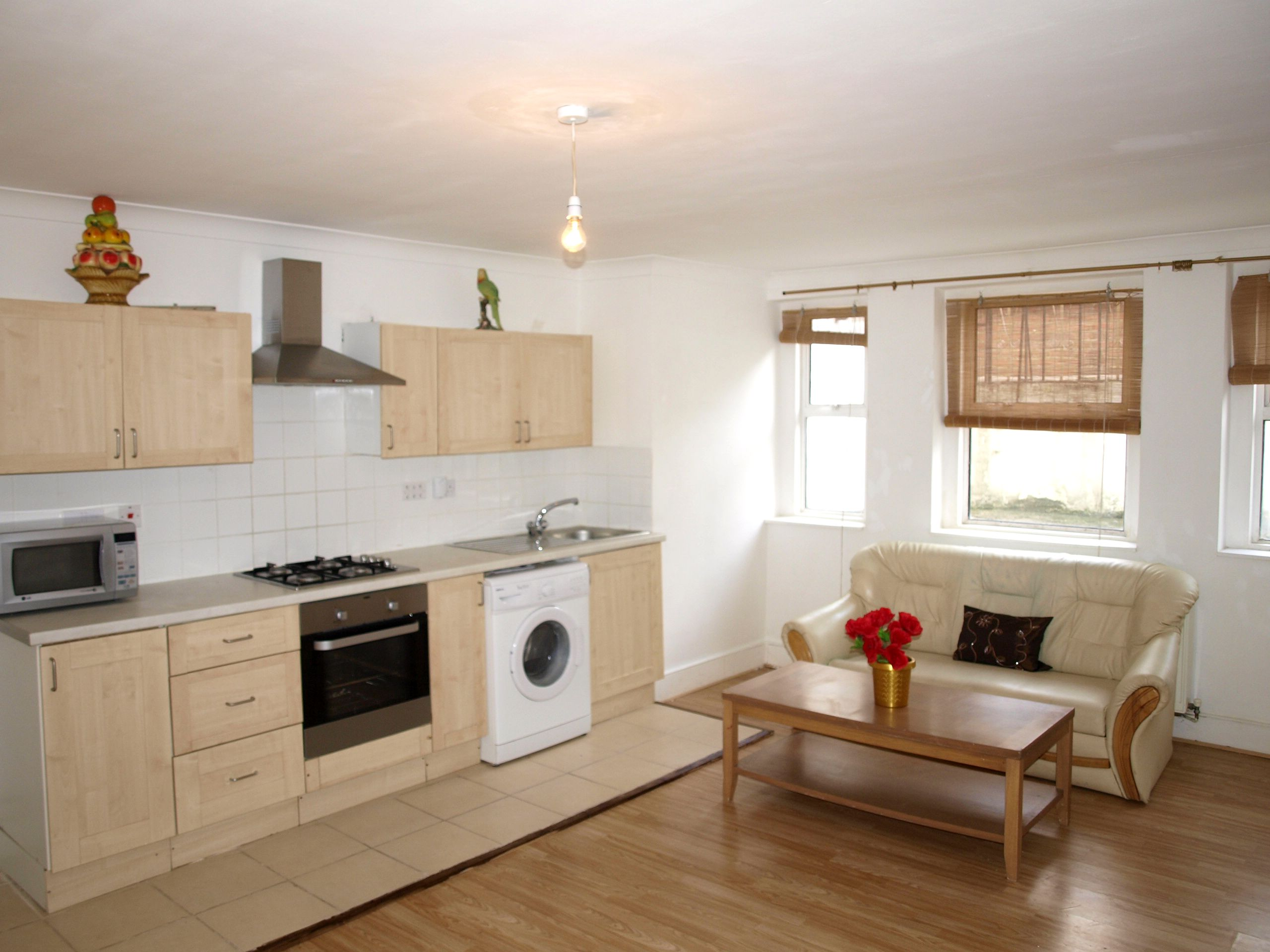 Spacious 1 bed flat in Stoke Newington, residential road, bright and ...